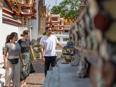 Laos & Thailand: Tuk-Tuks & Thai Curry